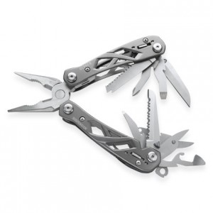 This is the multi-tool I carried until it was stolen at the Vietnam Airport, DAMN YOU!! It was great while I had it.